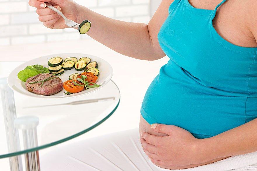 Podemos comer cuajada por la noche durante el embarazo