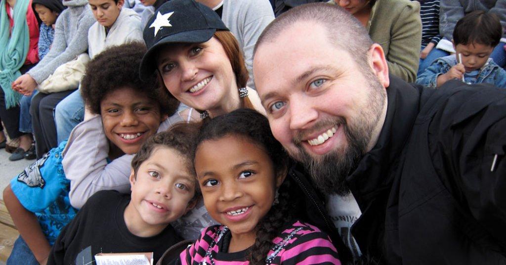Adopciones interraciales