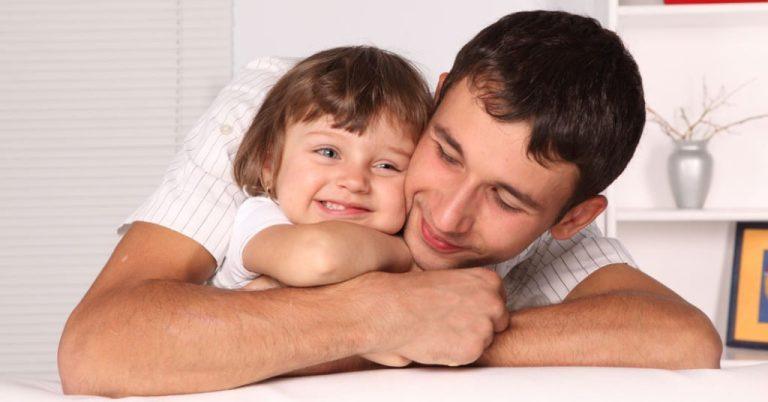 Qué es la adopción monoparental