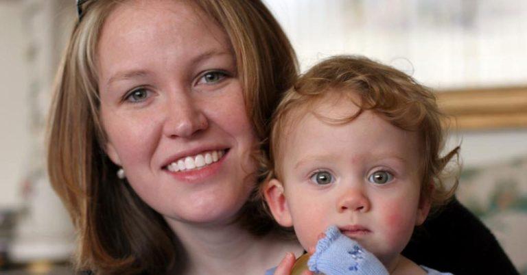 Adoptar un bebé en España