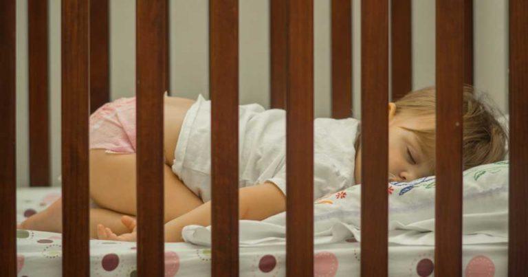 A qué edad hacer el cambio de la cuna a la cama