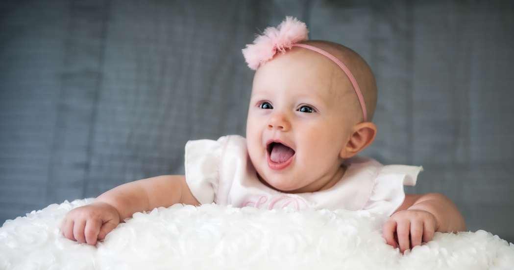 Desarrollo físico y emocional del bebé 5 meses