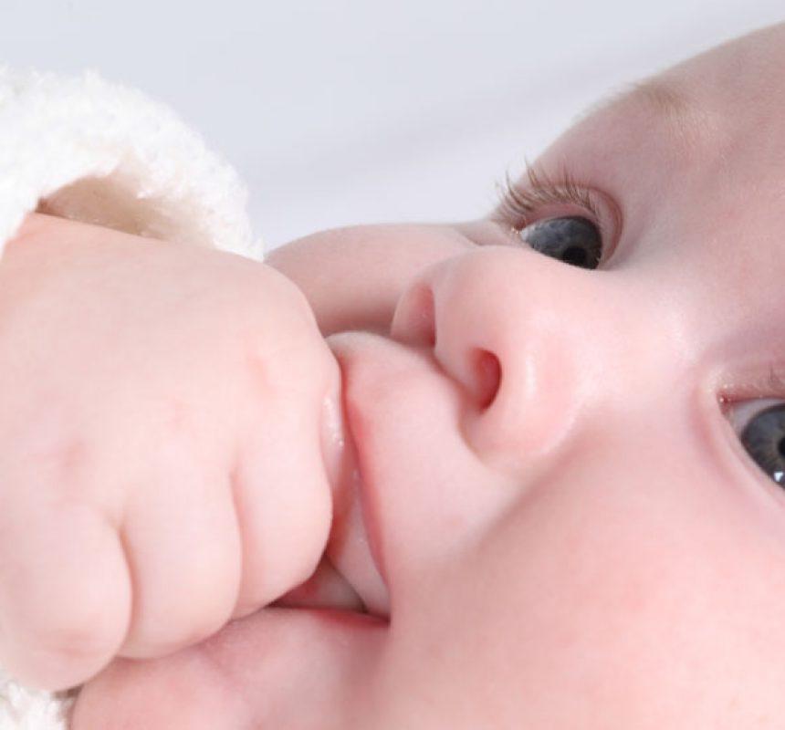 Causas del reflujo gastroesofagico en bebes